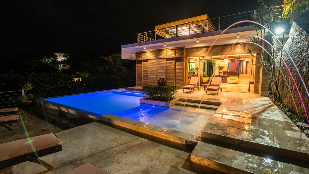 Villa Julia in Las Terrenas with marvellous views and an illuminated pool