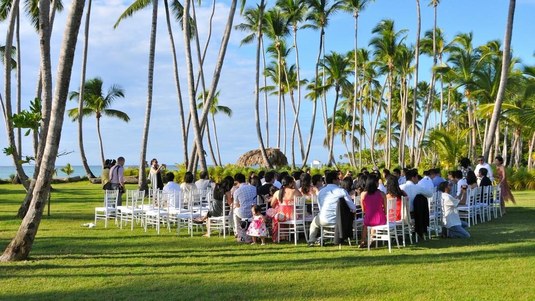Eine Hochzeit in der Dominikanischen Republik in einer Luxusvilla direkt am Strand, organisiert von DOMINICAN EXPERT