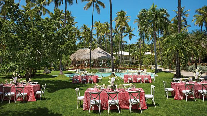 Destination Wedding in a tropical garden