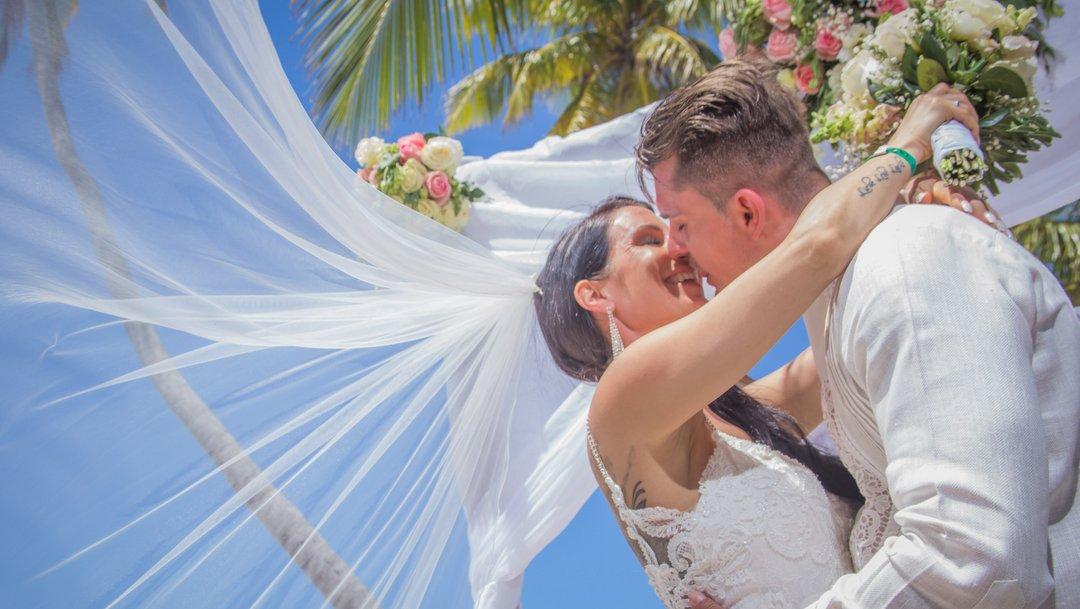 A destination wedding at the beach