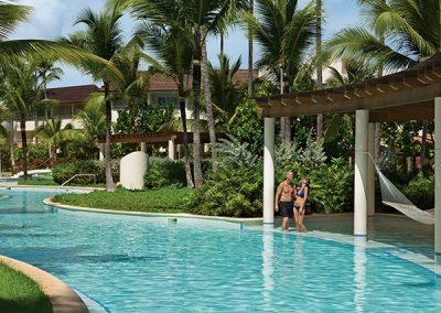 Pool im Secrets Royal Beach, Domnikanische Republik