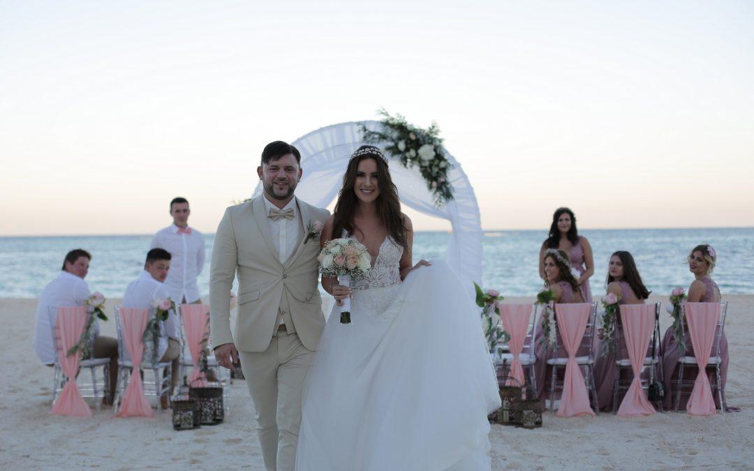 Sara und Jasmins traumhafte All-Inclusive Strandhochzeit im Secrets Royal Beach***** in Punta Cana