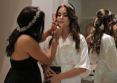 Vorbereitung und Make-Up für die Hochzeit