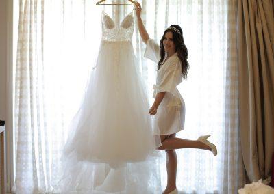 Braut und Hochzeitskleid